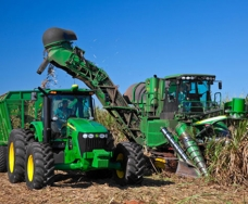 Curso ensina a operar implemento na colheita de cana-de-açúcar